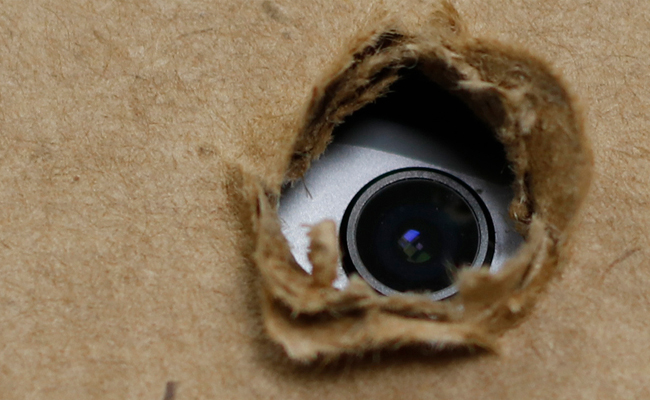 A Quick Guide to Look out for Hidden Cameras like an Expert